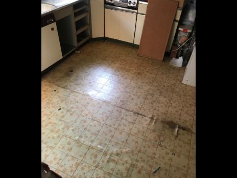 キッチンのリフォーム施工過程の写真1